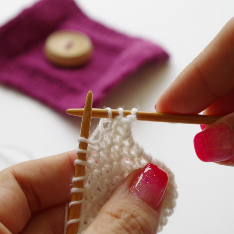 Knitting Stitches Buttonholes : How to knit a buttonhole Pattern Duchess