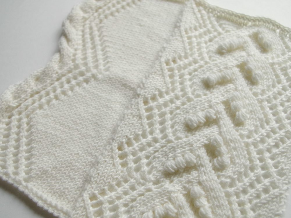 Knitted Lace Pattern : Knitted lace pattern with ?nupps? Pattern Duchess