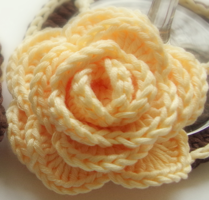 Large Crochet Rose Pattern Free : 50+ Crochet rose patterns Pattern Duchess
