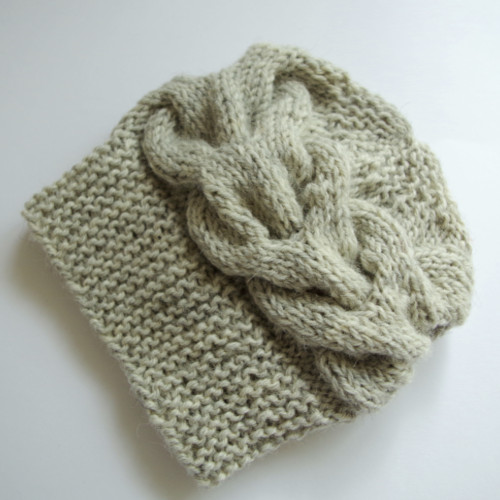 Cabled newborn hat with straight needles