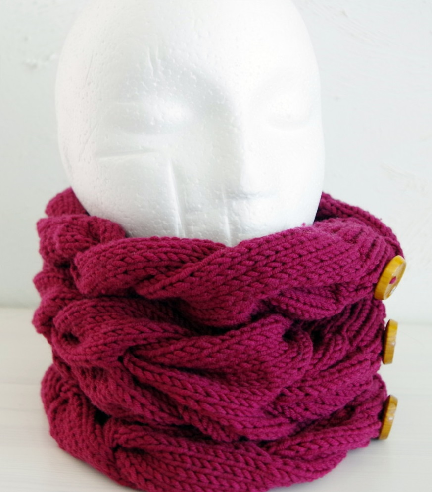 Chunky cable knit cowl Pattern Duchess