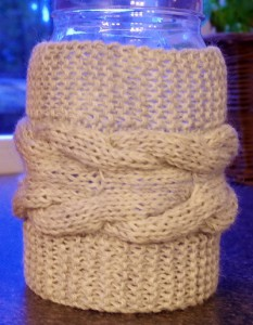 Grey cable knit vase cover pattern