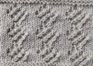 Simple lace knitting pattern from 1980 - lacy diamonds