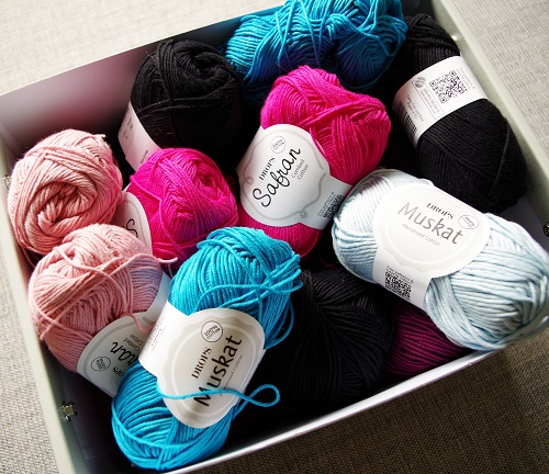 Cotton yarn by DROPS