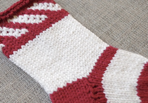 Free knitting pattern for two colour Christmas stocking