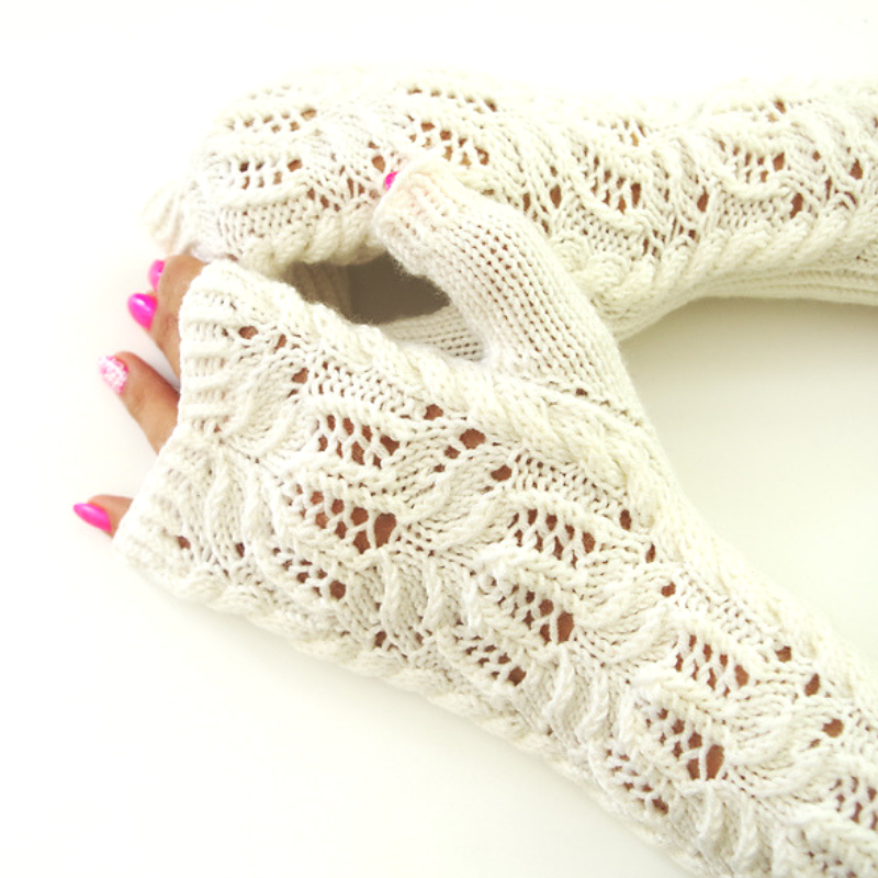 Water Lily fingerless mittens pattern